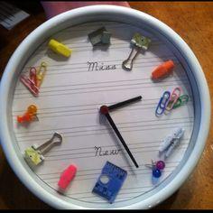 Crafty Clock: Teacher Style  www.alovelynest.com
