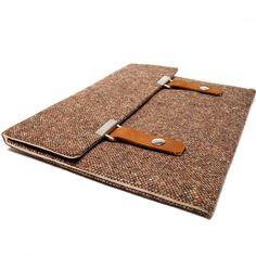 Hey, I found this really awesome Etsy listing at https://www.etsy.com/es/listing/116855719/13-caso-macbook-pro-retina-tweed-marron