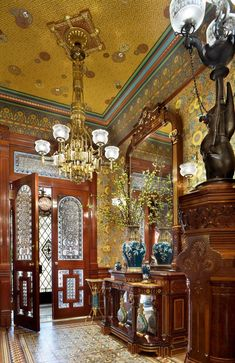 Colorful Wallpaper with antique furniture antiques blue vase chinoiserie colorful wallpaper custom wallpaper custom-made double doors floral wallpaper glass panel doors gold ceiling gold chandelier japanese vase large mirror lead Victorian Rooms, Victorian Interiors, Victorian Design, Victorian Furniture, Victorian Decor, Victorian Architecture, Victorian Era, Vintage Furniture, Victorian Houses