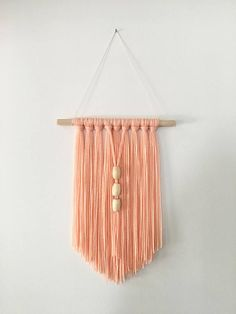 Items similar to Peach Pink Inspired Modern Bohemian Wall Hanging with Beads on Etsy Peach Pink Jahre inspiriert moderne böhmische Wandbehang mit Yarn Wall Art, Diy Wall Art, Diy Wall Decor, Mur Diy, Macrame Wall Hanging Diy, Crochet Wall Hangings, Macrame Design, Boho Decor, Diy Bedroom Decor