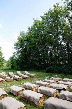 Ceremony Seating Alternatives: hay bales   Photo: 1012 Photo