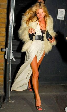 Kate Moss being Kate Mosshttp://pinterest.com/search/?q=kate+moss#