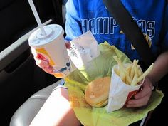 Road trip with the kiddos...brilliant idea for eating in the car!