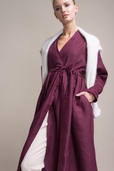 Фото - Платье-халат Черешня изо льна на кулиске винного цвета, вид модели, 880x1320