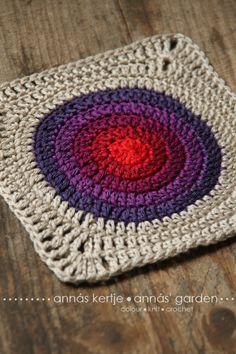 Annás kertje: Karika Block - free crochet square pattern in Hungarian and English, plus chart. Crochet Circles, Crochet Mandala, Crochet Motif, Crochet Designs, Crochet Stitches, Crochet Patterns, Plaid Au Crochet, Love Crochet, Diy Crochet