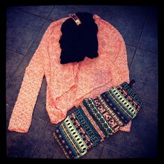 tribal print leggings. <3 Fall Winter Outfits, Autumn Winter Fashion, Winter Wear, Fall Fashion, Scarf Outfits, Casual Outfits, Cute Outfits, Tribal Print Leggings, Printed Leggings
