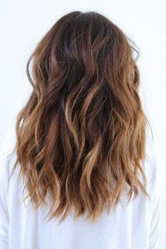 curled hair with blonde balayage, and medium brown hair color, worn by woman in white sweater Brown Blonde Hair, Brunette Hair, Ombre Hair, Balayage Hair, Wavy Hair, Medium Hair Styles, Curly Hair Styles, Beautiful Hair Color, Dream Hair