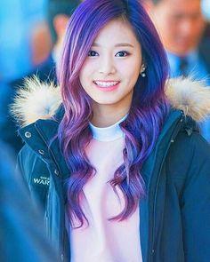 [Jeongyeonnie de portada <3] #fanfic # Fanfic # amreading # books # wattpad Kpop Girl Groups, Korean Girl Groups, Kpop Girls, Nayeon, K Pop, Twice Tzuyu, Twice Kpop, Hair Color Purple, Korean Women