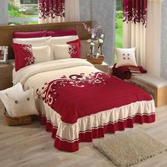 What Does Harmony Floral Comforter Bedding Mean 95 - findmynewhomes Bed Cover Design, Bed Comforters, Bed Decor, Bed Linens Luxury, Bed, Designer Bed Sheets, Bed Styling, Bed Linen Design, Bed Design
