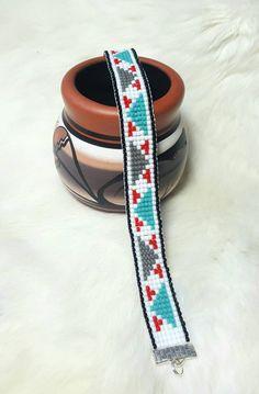 Items similar to Native American loom beaded bracelet on Etsy Beaded Braclets, Bead Loom Bracelets, Simple Bracelets, Loom Bracelet Patterns, Bead Loom Patterns, Beading Patterns, Native American Beading, Loom Beading, Seed Beads