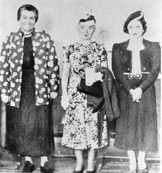 De izq. a der.: Gabriela Mistral (Chile); Alfonsina Storni (Argentina); Juana de Ibarbourou (Uruguay). En 1938, Universidad de Montevideo.
