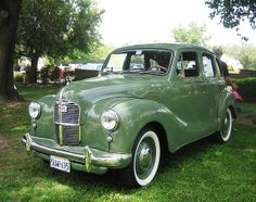 Vintage Cars 1951 Austin Devon - Riverside, CA. Vintage Sports Cars, Antique Cars, Vintage Ideas, Carros Austin, Volvo, Austin Cars, Classic Cars British, Car Repair Service, Classic Cars