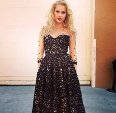 Claire Holt - The Vampire Diaries / The Originals. Claire Holt The Originals, Originals Cast, Vampire Diaries Rebekah, Celebs, Celebrities, Woman Crush, Strapless Dress Formal, Dressy Dresses, Beautiful People