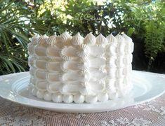 Petal Effect on a White Cake | Mari's Cakes (English)