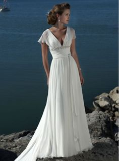 Simple gown for outdoor wedding.