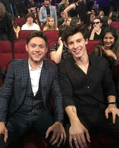Niall Horan and Shawn Mendes at the AMAs 2017