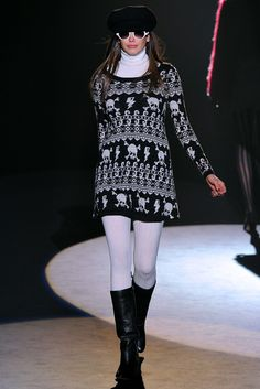 See the complete Betsey Johnson Fall 2012 Ready-to-Wear collection.