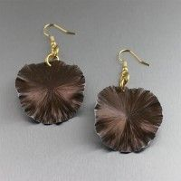 Brown Anodized Aluminum Lily Pad Earrings – Medium. Lavish and Lustrous Blooms    http://www.johnsbrana.com/brown-anodized-aluminum-lily-pad-earrings-medium.html  $40.00