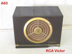 VINTAGE RCA VICTOR BAKELITE TUBE AM RADIO MODEL 9 X 561 ART DECO ANTIQUE PIECE !!!!!  ON AUCTION THIS WEEK!!!!!