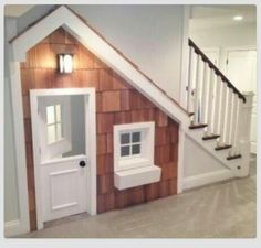 Under stairs playroom (would be great if I had stairs :-)
