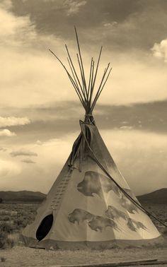 Resultado de imagem para native american teepee tent