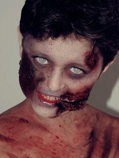 Maquiagem Zumbi no meu filho Eduardo