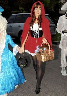 Do Little Red Riding Hood costume yourself - Halloween Ideas 2018 - Alles Little Red Riding Hood Halloween Costume, Deer Halloween Costumes, Red Riding Hood Costume, Halloween Dress, Couple Halloween, Halloween Outfits, Fantasia Disney, Sexy Diy Costumes, Costume Ideas