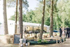 Outdoor Marquee Reception | Classic Sandhurst Military Academy wedding | Sarah Jane Ethan Photography | http://www.rockmywedding.co.uk/petra-jon/