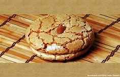 Acıbadem Kurabiyesi nasıl yapılır? Evinizde kolayca yapabileceğiniz, pratik bir tarif ile nefis bir kurabiye yapabilirsiniz.