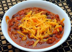 Chili time in Texas.The Pioneer Woman's Chili- always like New chili recipe. leave out the beans, this is Texas! Chili Recipes, Crockpot Recipes, Soup Recipes, Cooking Recipes, Dinner Recipes, Yummy Recipes, Steak Chili Recipe, Oven Cooking, Roast Recipes