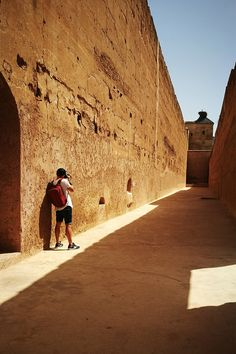 Discovering the wonder of an ancient Moroccan palace 🕌 Ancient Ruins, Marrakesh, Morocco, Palace, To Go, Louvre, Journey, The Incredibles, Culture