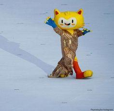 Mascote da Rio 2016 rouba a cena na cerimônia da Paralimpíada com vestido de…