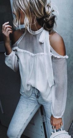 perfect outfit blouse + jeans