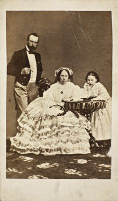 King Karl of Sweden with his wife and daughter.