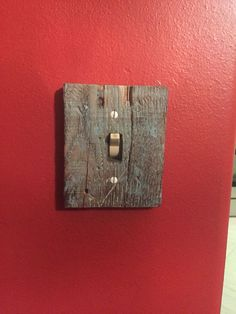 Reclaimed pallet wood distressed and turned into a switch plate cover. Follow Rustic Rescue Co. On Facebook to see more projects!: