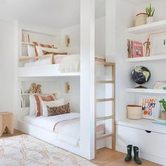 White and bright neutral girls bedroom design with built in bunk beds, built in shelving and tones of blush - Amber Interiors Built In Bunks, Built Ins, Built In Beds For Kids, Modern Bunk Beds, Custom Bunk Beds, White Bunk Beds, Double Bunk Beds, Kids Double Bed, Twin Beds