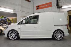 . Vw Cady, Vw Caddy Tuning, Caddy Van, Astro Van, Volkswagen Caddy, Car Trailer, Cool Vans, Van Interior, Man Set