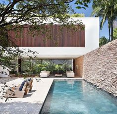 AH House by Studio Guilherme Torres