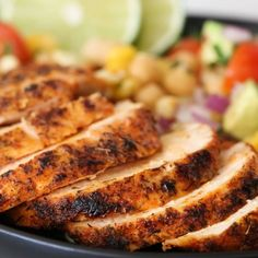 Blackened Chicken Fiesta Salad - - Blackened Chicken over a flavorful chickpea salad with fresh corn, tomatoes, avocado and lime juice – a quick and easy weeknight dish! Chicken Skillet Recipes, Healthy Chicken Recipes, Cooking Recipes, Rice Recipes, Pasta Recipes, Chicken Chickpea, Chickpea Salad, Salad Chicken, Cake Aux Olives