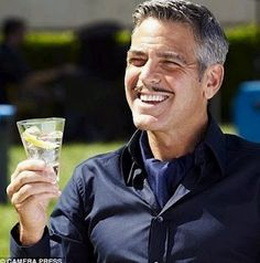 George Clooney wears ascots. A great alternative to a tie if you are going for a smart casual look. When was the last time you swapped your tie for an ascot? #ascot #style