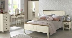 Hints of Gustavian-inspired design, the Sophia Two Tone range by Bentley Designs is a traditional range which has been inject with a modern twist with its two tone painted design. Two Tone Furniture, Bentley Design, Paint Designs, Room Interior, Future House, Design Inspiration, Interiors, Bedroom, Modern