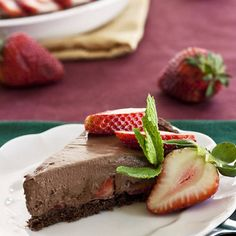 Incredibly delicious Strawberry Chocolate Mousse Pie sweetened naturally with fresh strawberries and agave!   vegan, earth balance