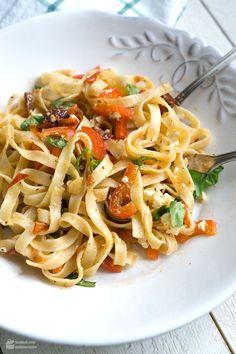 Feierabend-Pasta mit Paprika & getrockneten Tomaten   Madame Cuisine Rezept