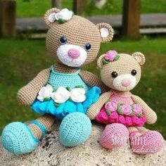 Dont normally buy patterns but i may have to for this one. Smartapple Creations - amigurumi and crochet: Bibi the Ballerina Bear amigurumi pattern is available. Crochet Teddy, Crochet Bear, Cute Crochet, Crochet Crafts, Crochet Dolls, Crochet Projects, Crochet Animals, Mini Amigurumi, Amigurumi Doll