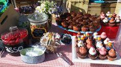 Farm Party sweet treats http://www.ocfleurish.com