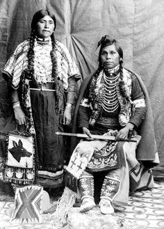 Yakama woman Kate Williamson with her husband, Washington, ca. 1908.