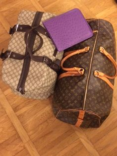 """» """"Il viaggio non soltanto allarga la mente: le da forma"""". Borsone viaggio Gucci. Borsone viaggio Louisvuitton. Porta i-pad."""