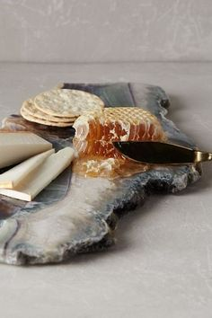 Unique Natural Stone Agate Cheese + Charcuterie Board + Crackers + Unpasteurized Cheese + Raw Honey Comb + Gold Flatware = Dude, Where's The Wine? Charcuterie, Good Food, Yummy Food, Think Food, Cheese Platters, Food Styling, A Table, Dessert Table, Food Art