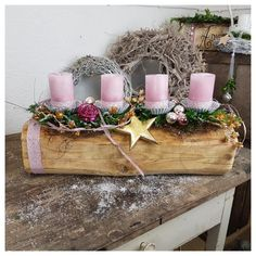All sorts of Christmas charms have been found together on an old beam. 4 soft pink candles, roses, golden star, ribbons and a delicate mix of conifers … Source by Christmas Advent Wreath, Christmas Signs, All Things Christmas, Vintage Christmas, Christmas Stockings, Christmas Crafts, Christmas Decorations, Xmas, Advent Wreaths