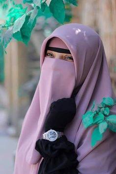 Arab Girls Hijab, Girl Hijab, Muslim Girls, Muslim Women, Hijab Evening Dress, Evening Dresses, Girlz Dpz, Hijab Niqab, Friendship Jewelry